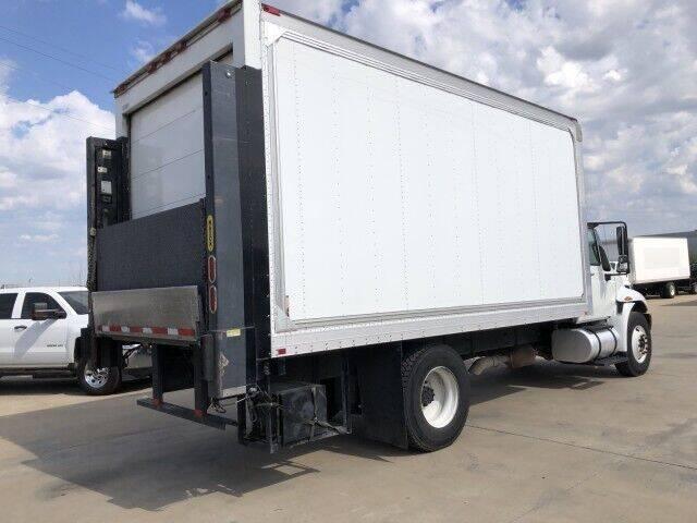 2012 International DuraStar 4300 for sale in Mansfield, TX