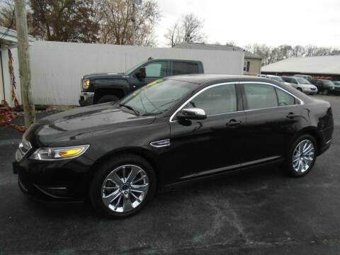 2010 Ford Taurus for sale at River City Auto Sales in Cottage Hills IL