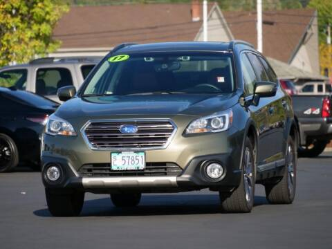 2017 Subaru Outback for sale at CLINT NEWELL USED CARS in Roseburg OR