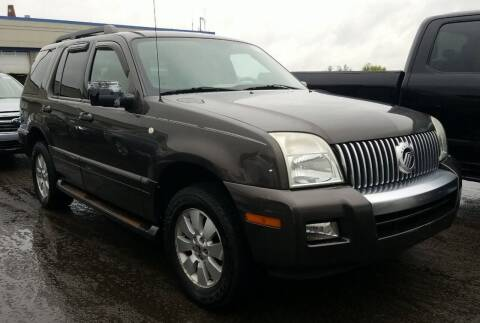 2006 Mercury Mountaineer for sale at Angelo's Auto Sales in Lowellville OH