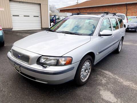 2001 Volvo V70 for sale at Dijie Auto Sale and Service Co. in Johnston RI