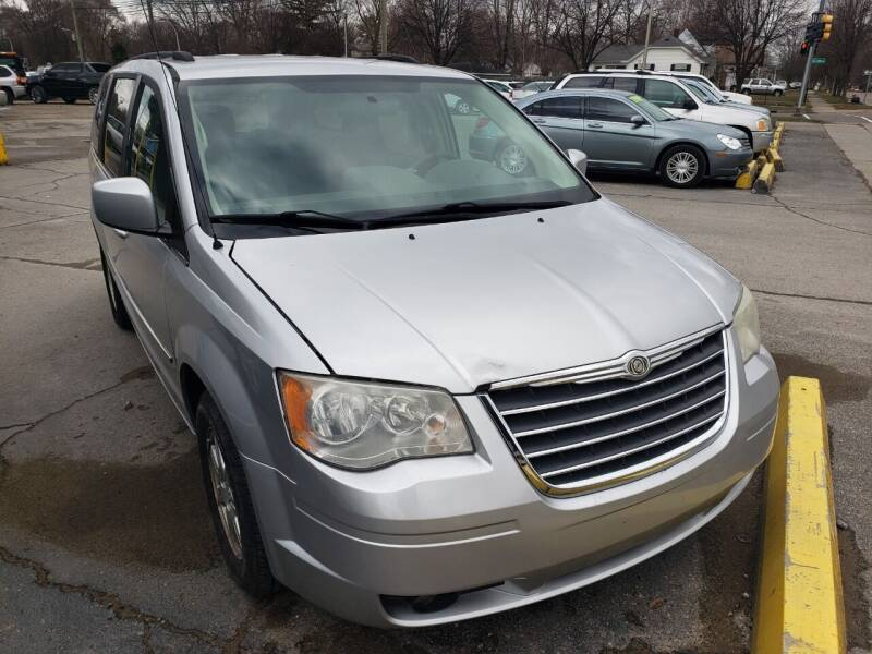 2010 Chrysler Town and Country for sale at D & D All American Auto Sales in Mt Clemens MI