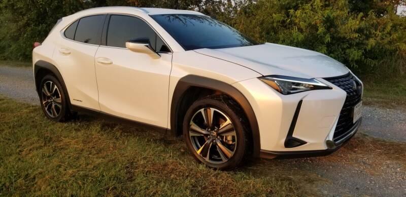 2019 Lexus UX 250h for sale at CAVENDER MOTORS in Van Alstyne TX
