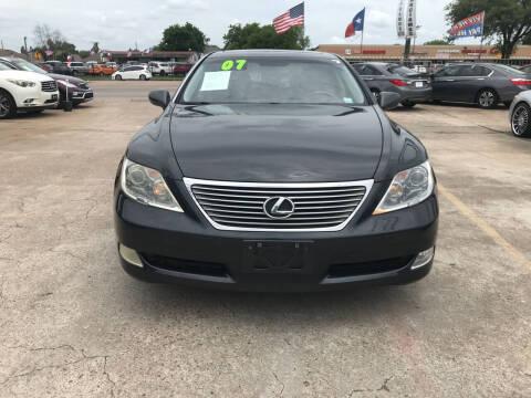 2007 Lexus LS 460 for sale at SOUTHWAY MOTORS in Houston TX