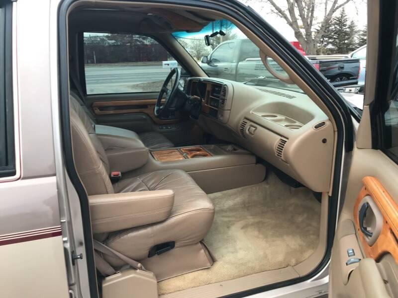 1995 Chevrolet Suburban C1500 4dr SUV - Lawrence KS