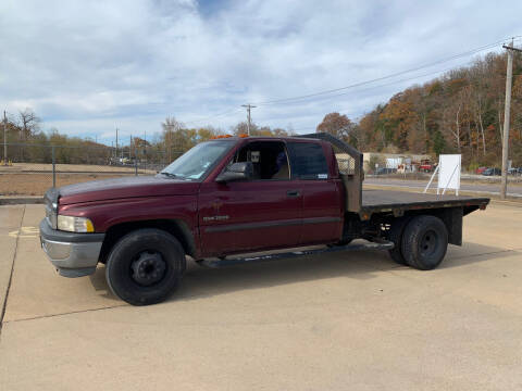 2001 Dodge Ram Pickup 3500 for sale at MotoMafia in Imperial MO
