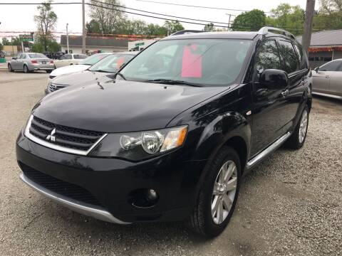 2008 Mitsubishi Outlander for sale at Antique Motors in Plymouth IN