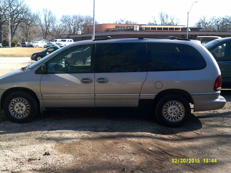 1997 Chrysler Town and Country for sale at D & D Auto Sales in Topeka KS