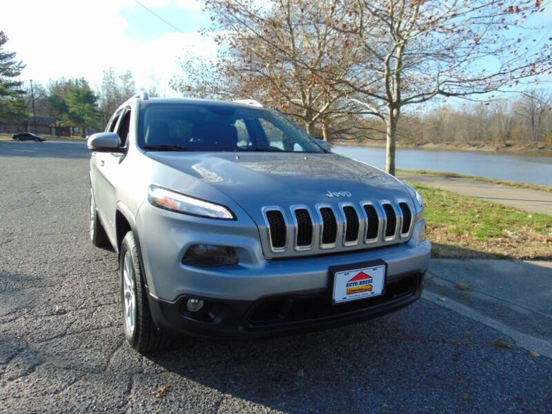2015 Jeep Cherokee for sale at Auto House Superstore in Terre Haute IN