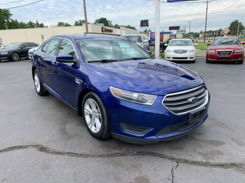 2015 Ford Taurus for sale at Summit Palace Auto in Waterford MI