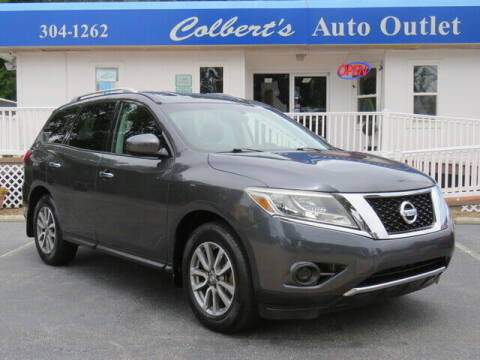2013 Nissan Pathfinder for sale at Colbert's Auto Outlet in Hickory NC