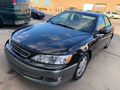 2000 Lexus ES 300 for sale at Square Business Automotive in Milwaukee WI