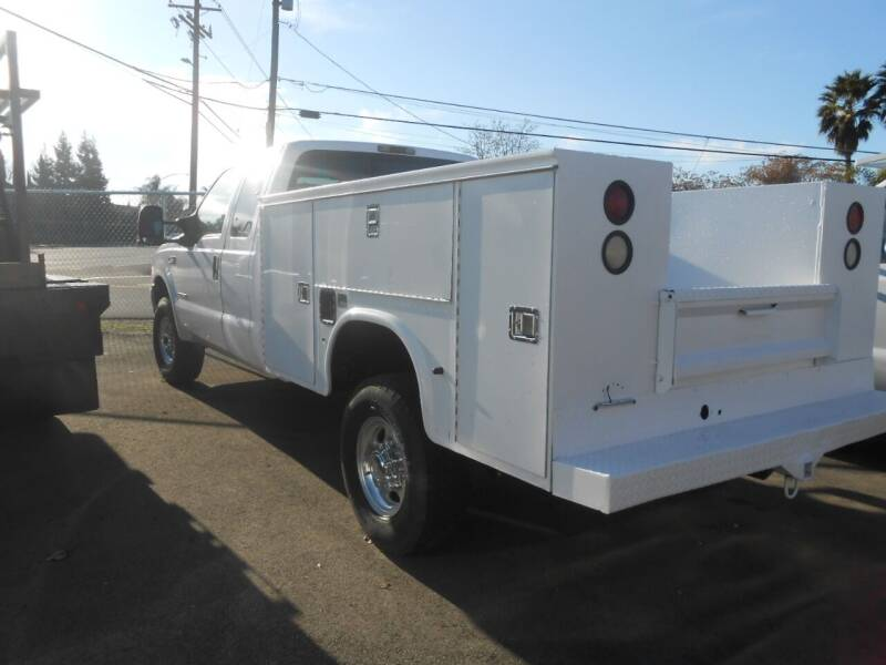 2002 Ford F-250 Super Duty for sale at Armstrong Truck Center in Oakdale CA