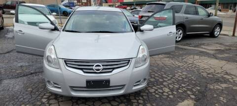2012 Nissan Altima for sale at JORDAN AUTO SALES in Youngstown OH