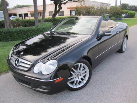 2009 Mercedes-Benz CLK for sale at FLORIDACARSTOGO in West Palm Beach FL