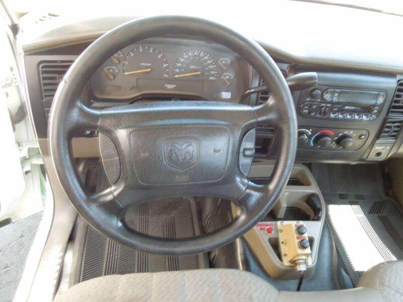 2001 Dodge Dakota 2dr Standard Cab SB 2WD - Oakdale CA