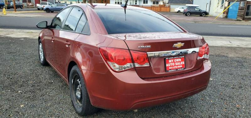 2013 Chevrolet Cruze for sale at Deanas Auto Biz in Pendleton OR