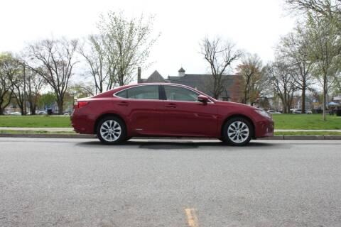 2013 Lexus ES 300h for sale at Lexington Auto Club in Clifton NJ