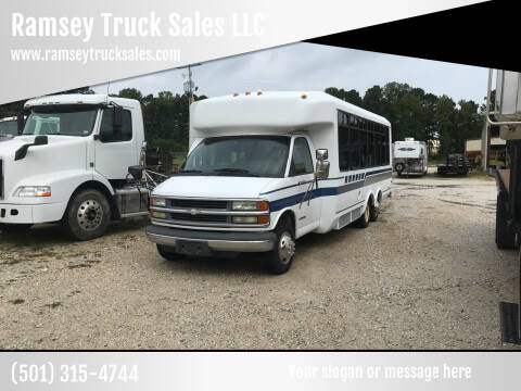 2002 Chevrolet Express Cutaway for sale at Ramsey Truck Sales LLC in Benton AR