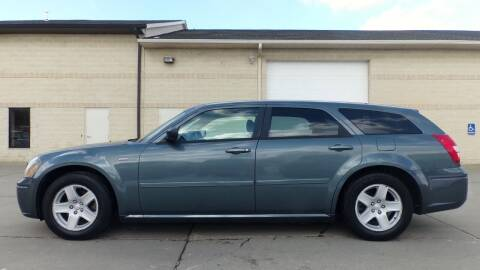 2005 Dodge Magnum for sale at Prudential Auto Leasing in Hudson OH