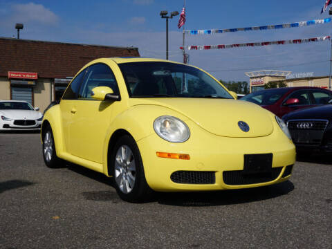 2010 Volkswagen New Beetle for sale at Sunrise Used Cars INC in Lindenhurst NY