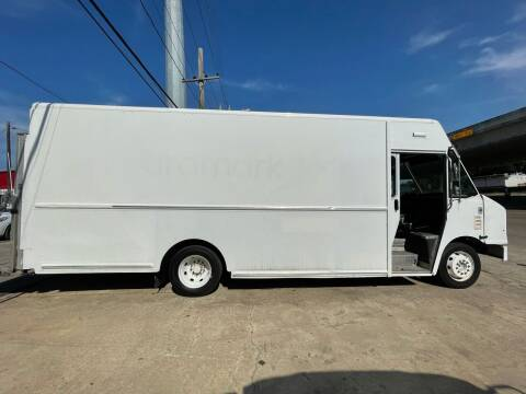 2009 Workhorse W42 for sale at National Auto Group in Houston TX