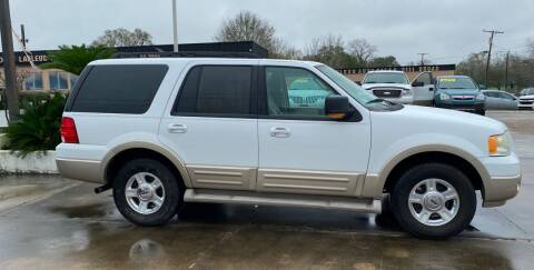 2005 Ford Expedition for sale at Bobby Lafleur Auto Sales in Lake Charles LA