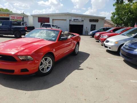 2011 Ford Mustang for sale at DFW AUTO FINANCING LLC in Dallas TX