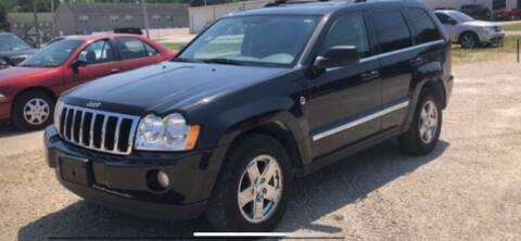 2005 Jeep Grand Cherokee for sale at VICTORY LANE AUTO in Raymore MO