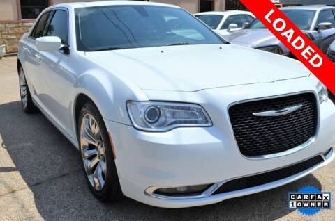 2016 Chrysler 300 for sale at LAKESIDE MOTORS, INC. in Sachse TX