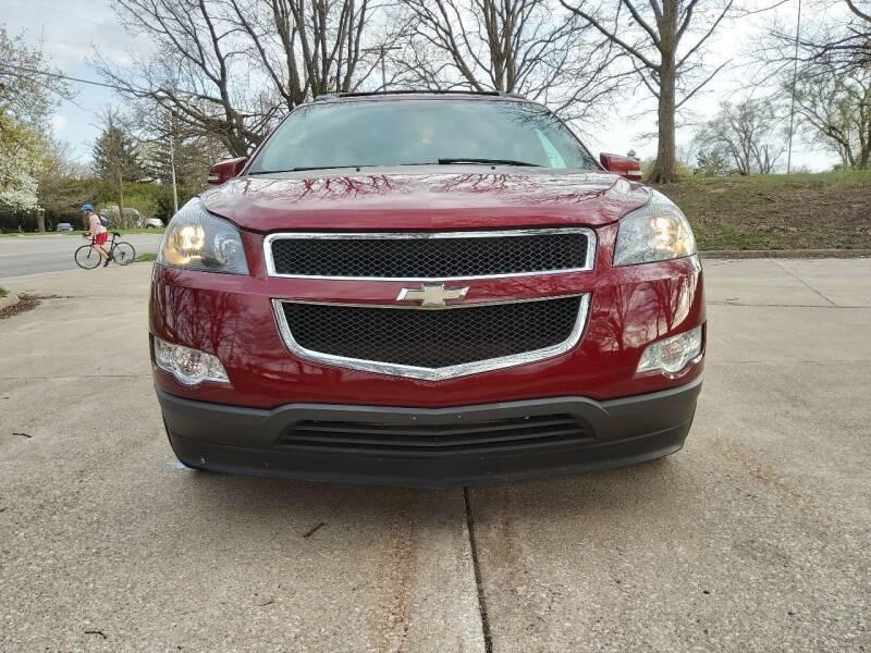 2009 Chevrolet Traverse for sale at Crispin Auto Sales in Urbana IL