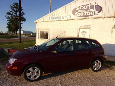 2006 Ford Focus for sale at SCOTT FAMILY MOTORS in Springville IA