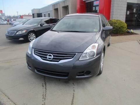 2012 Nissan Altima for sale at Premium Auto Collection in Chesapeake VA