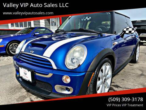 2005 MINI Cooper for sale at Valley VIP Auto Sales LLC in Spokane Valley WA