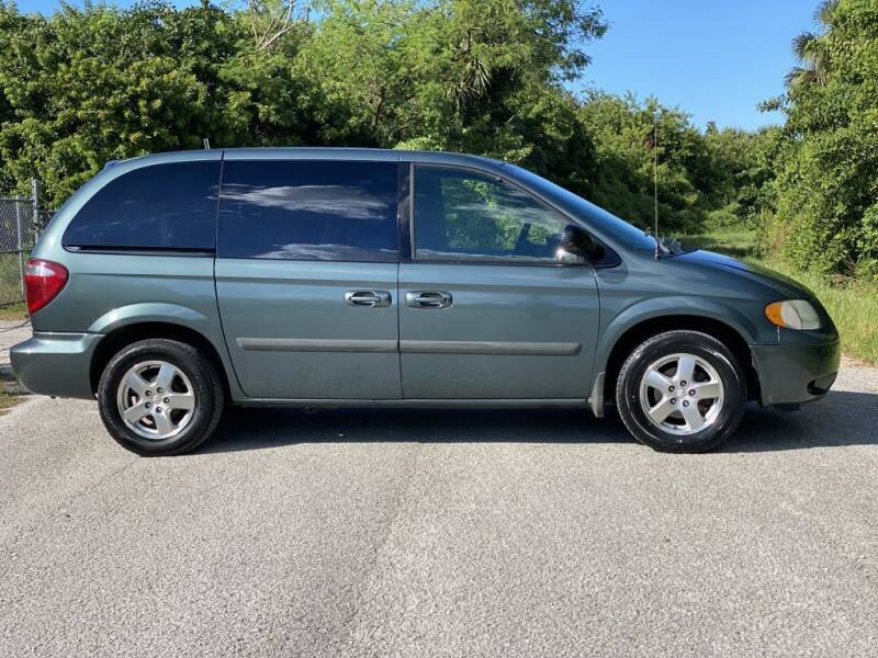 2005 Dodge Caravan for sale at D & D Used Cars in New Port Richey FL