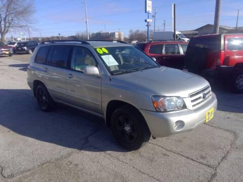2004 Toyota Highlander for sale at Regency Motors Inc in Davenport IA