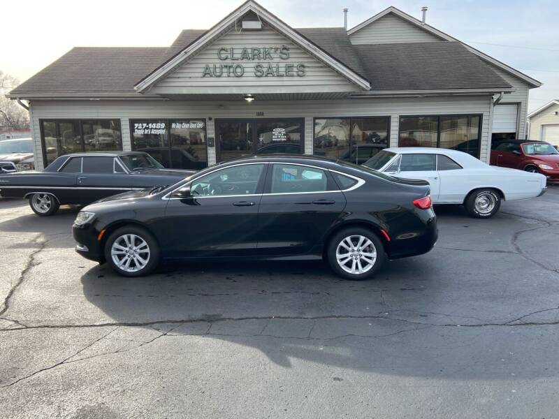 2015 Chrysler 200 for sale at Clarks Auto Sales in Middletown OH