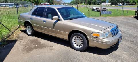 2000 Ford Crown Victoria for sale at COLLECTABLE-CARS LLC in Nacogdoches TX