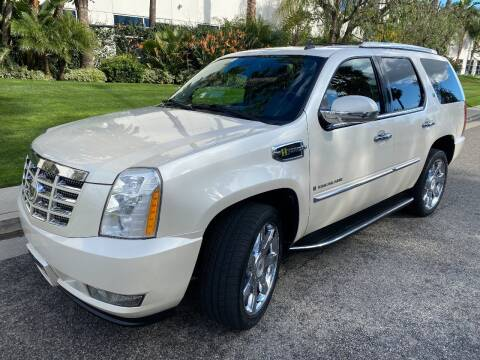 2009 Cadillac Escalade Hybrid for sale at Donada  Group Inc in Arleta CA