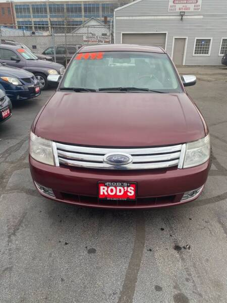 2008 Ford Taurus for sale at Rod's Automotive in Cincinnati OH
