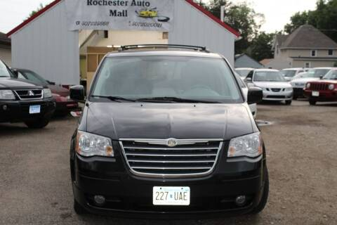 2008 Chrysler Town and Country for sale at Rochester Auto Mall in Rochester MN