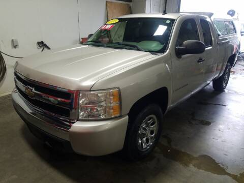2008 Chevrolet Silverado 1500 for sale at Hometown Automotive Service & Sales in Holliston MA