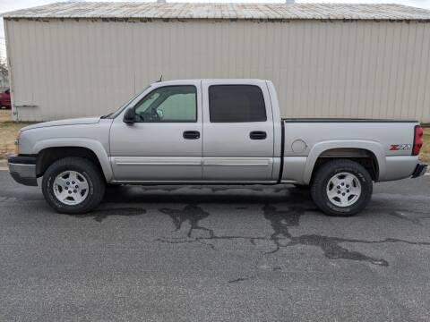 2004 Chevrolet Silverado 1500 for sale at TNK Autos in Inman KS