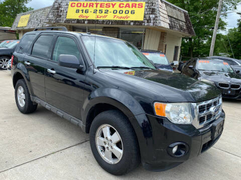 2009 Ford Escape for sale at Courtesy Cars in Independence MO