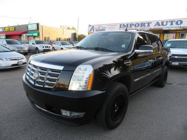 2007 Cadillac Escalade EXT for sale at Import Auto World in Hayward CA