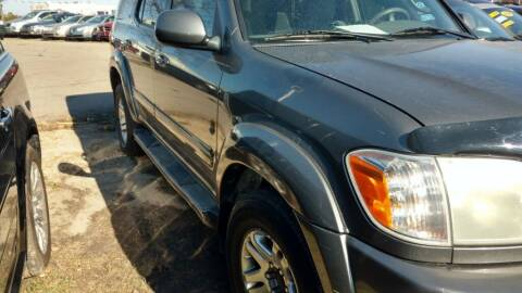 2005 Toyota Sequoia for sale at Car Connection in Yorkville IL
