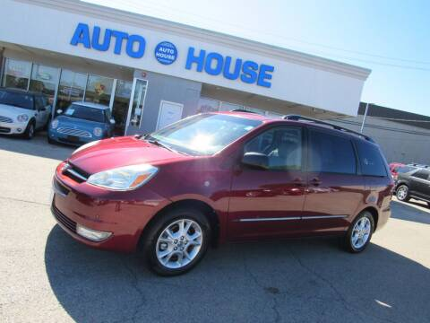 2005 Toyota Sienna for sale at Auto House Motors in Downers Grove IL