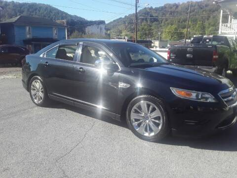 2011 Ford Taurus for sale at BSA Pre-Owned Autos LLC in Hinton WV