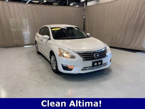 2014 Nissan Altima for sale at Vorderman Imports in Fort Wayne IN