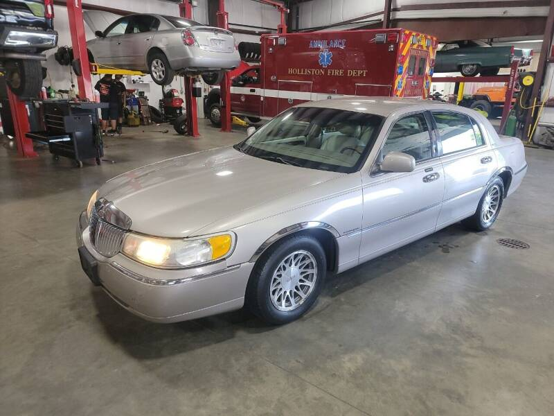 2002 Lincoln Town Car for sale at Hometown Automotive Service & Sales in Holliston MA